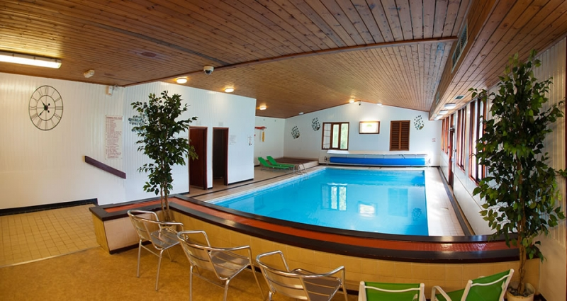 brockwood hall pool discover the lakes